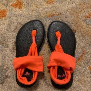 NWOT Girls Sanuk Yoga Flip Flops